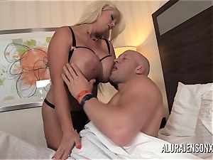 meaty breast mummy Alura Jenson has her taut cootchie impaled