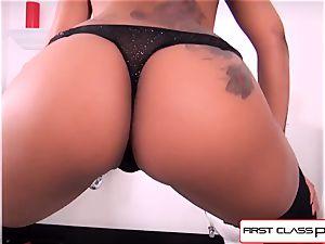 FirstClassPOV - see skin Diamond throating a meaty penis