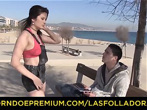 LAS FOLLADORAS - enormous jugs woman picked up and drilled