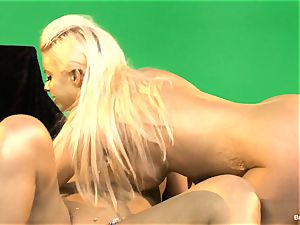 Britney Amber Gold lezzies