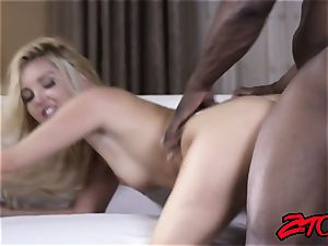 towheaded Aaliyah enjoy Gets pummeled on bed