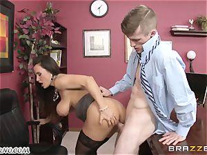 Lisa Ann - My chesty mature intercourse therapist