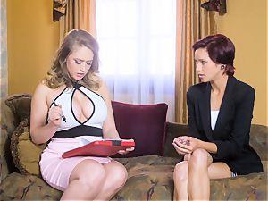 Kagney Linn Karter likes seducing her new secretary