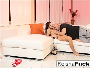 Keisha gets boned right after her taunt vid shoot