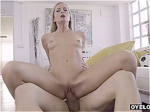 Making Sicilia glad after dinner by nailing her cock-squeezing cooter