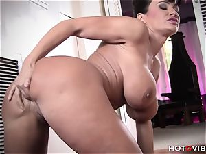 buxom mummy Makes The Sexiest squeals