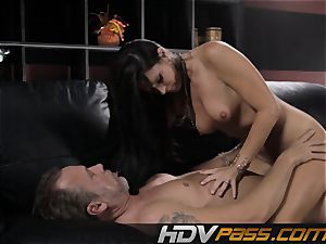 black-haired stunner India Summer bangs with eagerness in livingroom