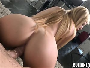 Donna Bell loves to satiate man rod