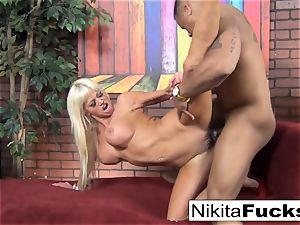 Nikita gets some interracial luving