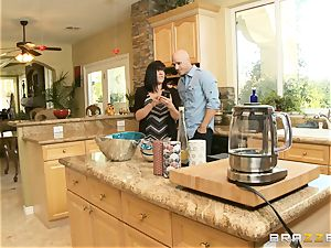 super-sexy stepdaughter Ariana Marie ravages her sloppy step-father