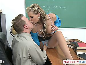 uber-sexy Phoenix Marie gapes her cock-squeezing donk knob