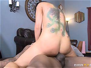 Romi Rain boinks her warm ebony trainer in front of her dude
