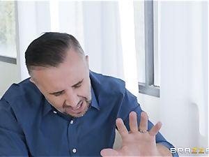 Keiran buries his spunk-pump scrotum deep into Sofi Ryan