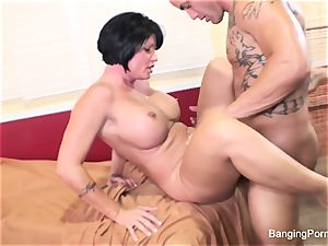 Mature sex industry star gets drilled