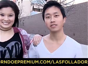 LAS FOLLADORAS - huge hooters Oriental babe has foursome