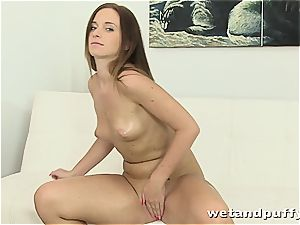 Chrissy curves in a raw solo session