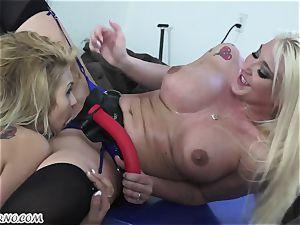 Mature wifey Leya Falcon penalizes her husband's domina