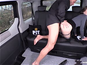 romped IN TRAFFIC - uber-sexy Czech stunner bangs in the car