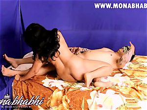 Mona Bhabhi Getting Seduced By Her hubby Indian fashion