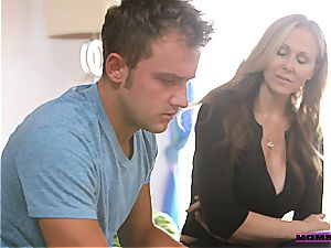 Julia Ann gives teenagers some hook-up advice