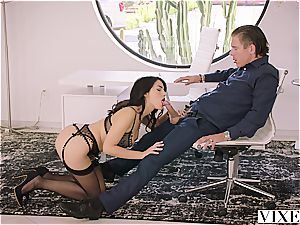 Valentina Nappi tempts her married manager