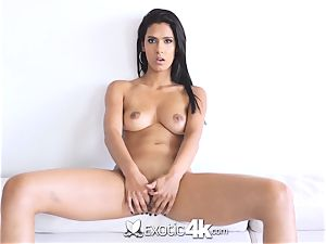 EXOTIC4K Indian gal spreads raw cooch for humungous stiffy
