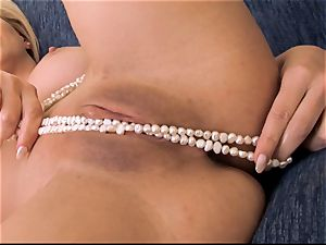 Cherie Deville fills her cougar slit with pleasure buttons